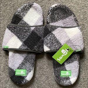 Sanuk women's slippers 11